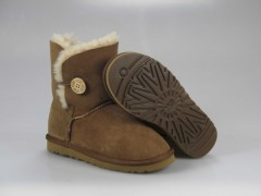UGG WOMENS BAILEY BUTTON chestnut 5803